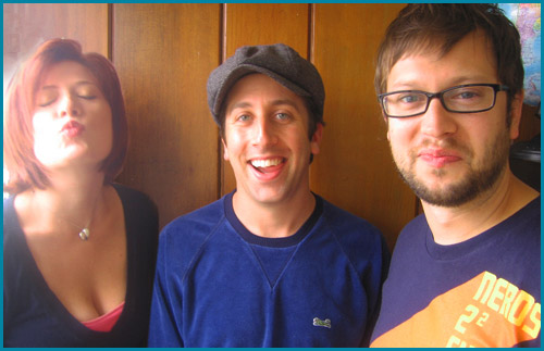 hosts Vanessa Ragland and Cole Stratton with guest Simon Helberg